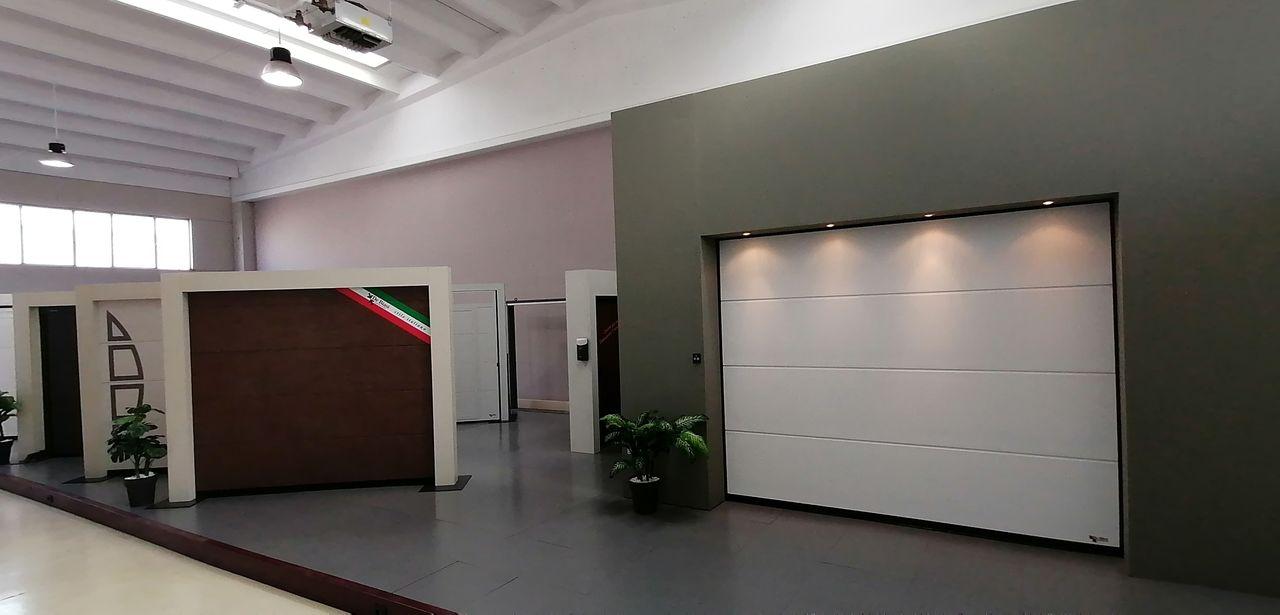Showroom portoni sezionali De Biasi Porto Mantovano (MN)