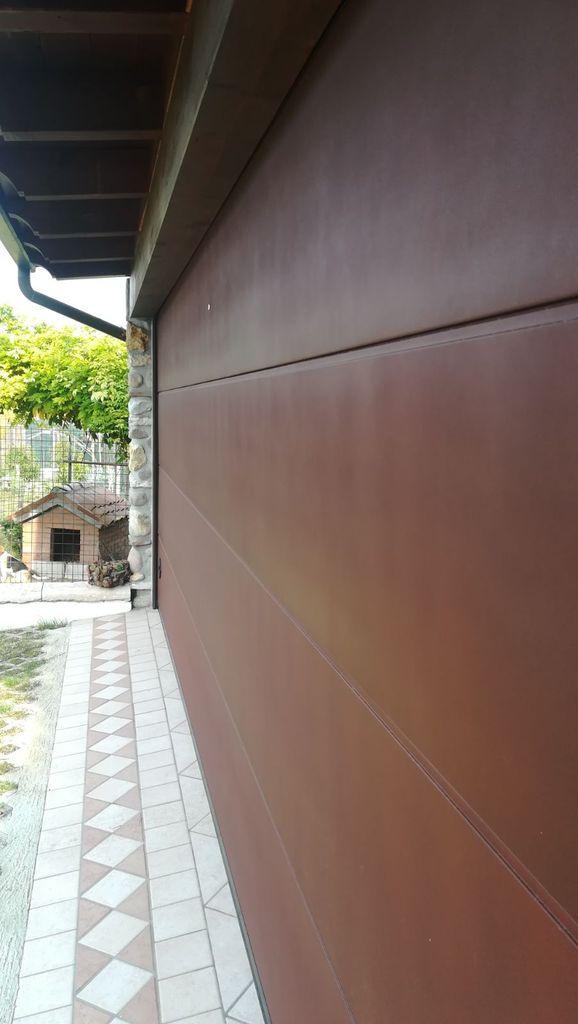 Porte sezionali Simil legno e Corten Mantova, Modena, Reggio Emilia, Verona