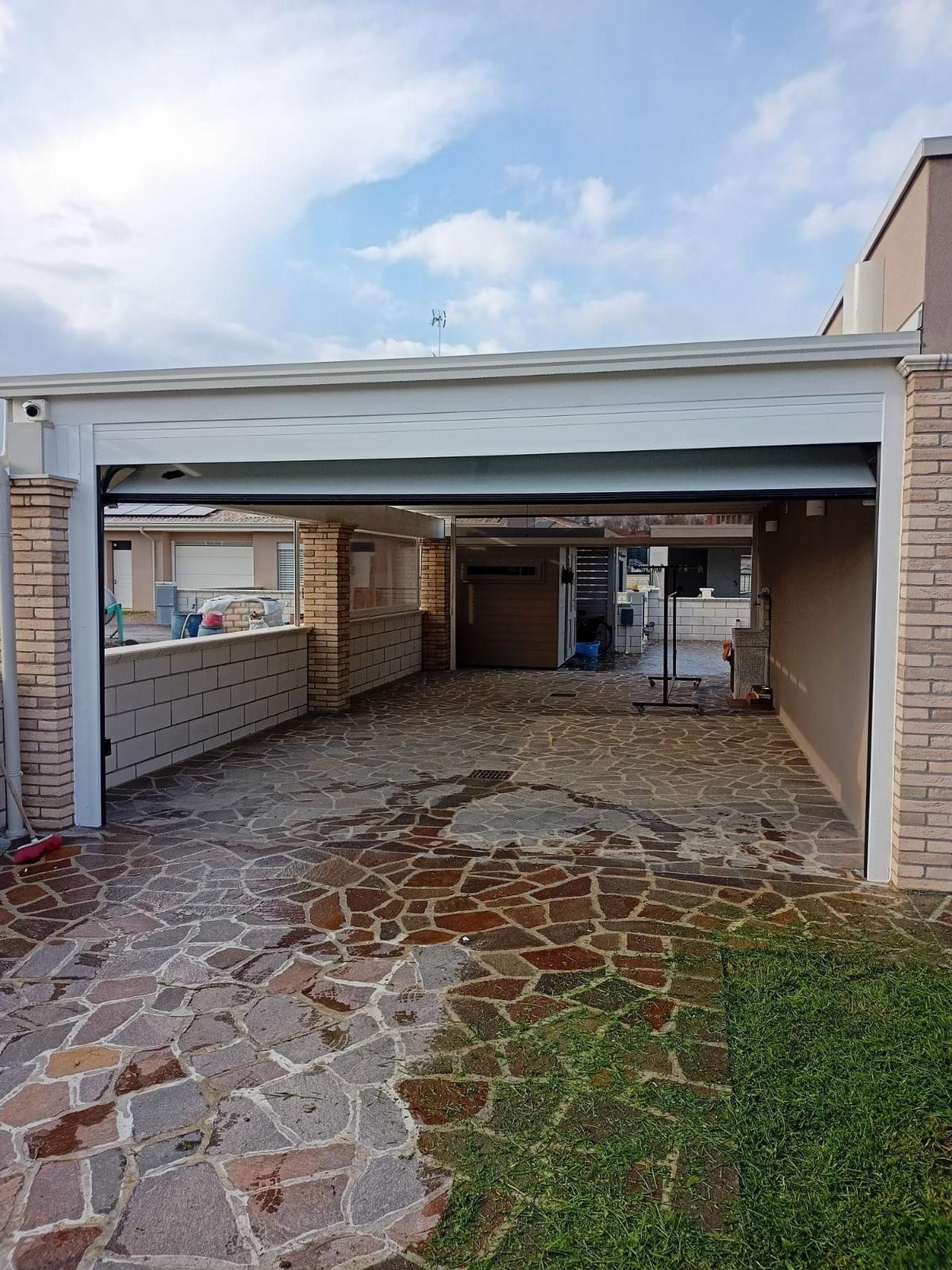 Porte sezionali civili De Biasi Mantova Modena Reggio Emilia Verona